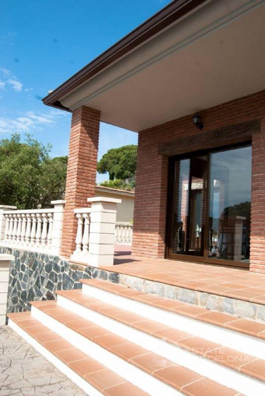 Дом на Льорет-де-Мар, Испания, 764 м2 - фото 1