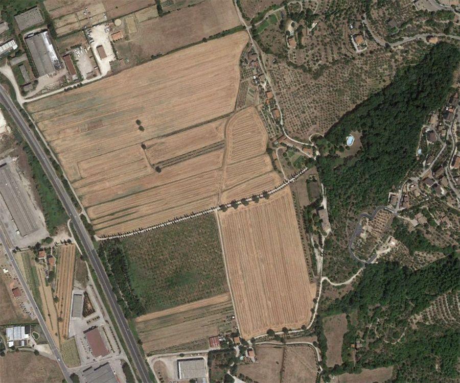 Земля в Перудже, Италия, 16.6 Га - фото 1