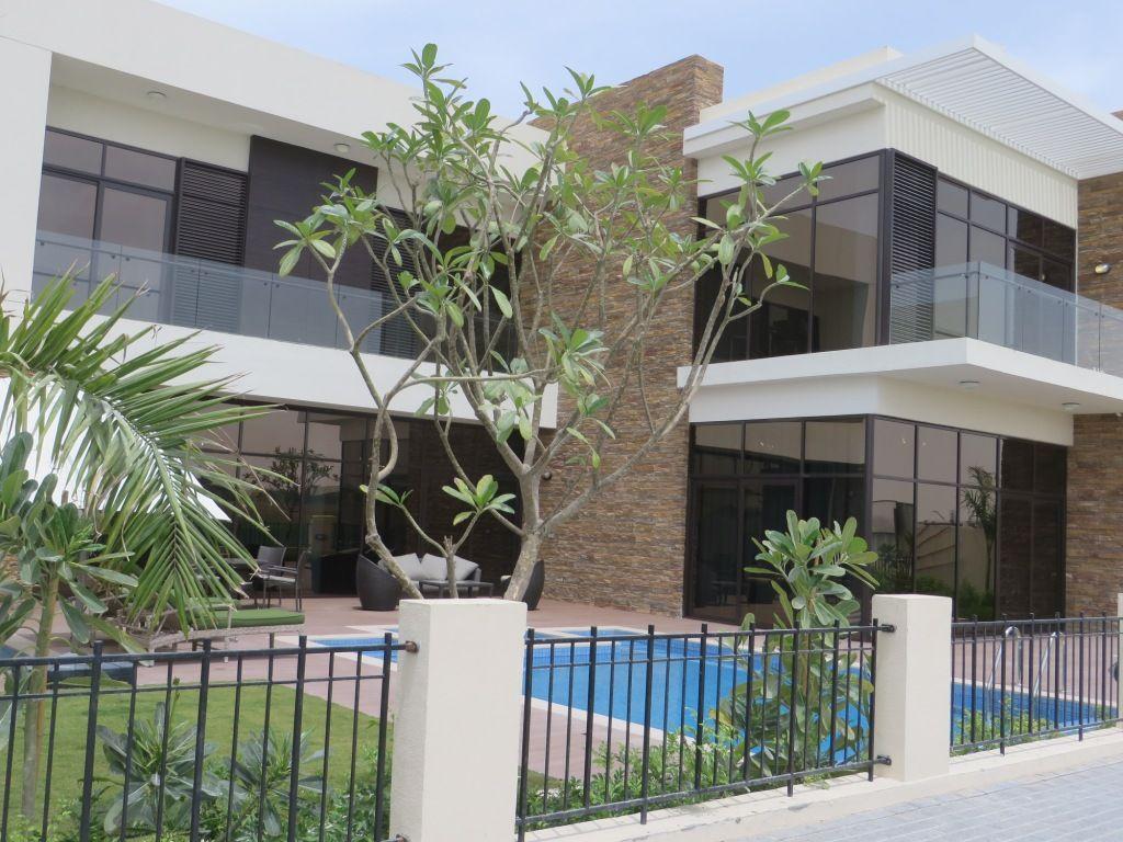 Вилла в Дубае, ОАЭ, 459 м2 - фото 1