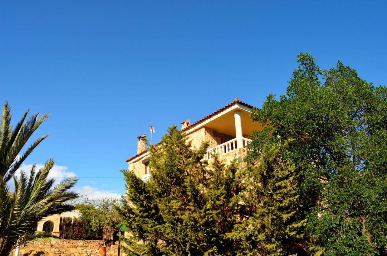 Дом в Аликанте, Испания, 1500 м2 - фото 1