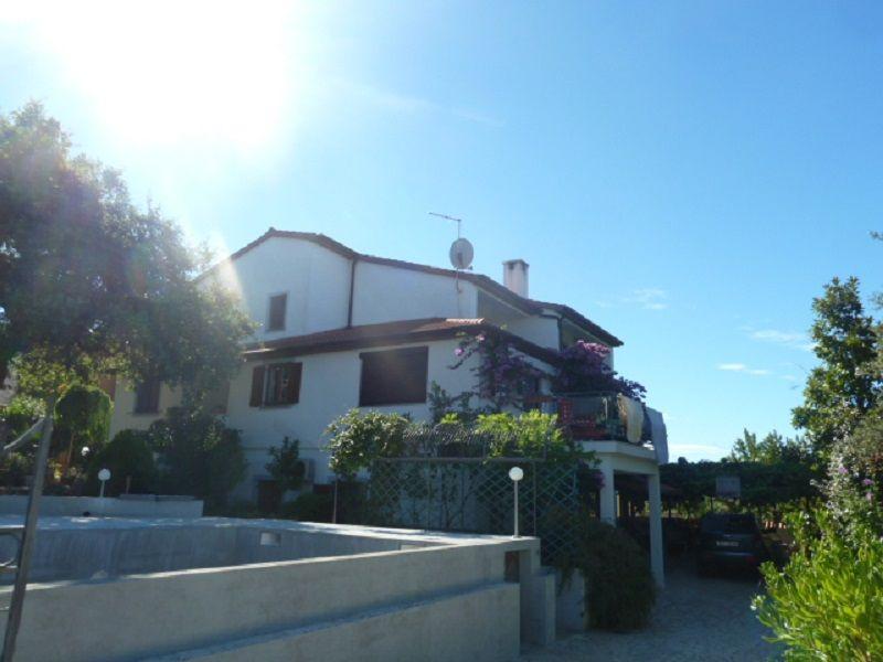 Дом в Пуле, Хорватия, 454 м2 - фото 1