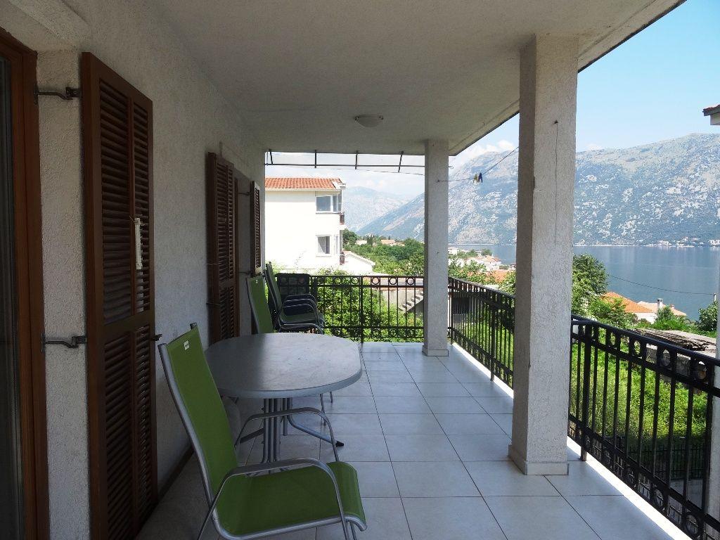 Квартира в Прчани, Черногория, 70 м2 - фото 1
