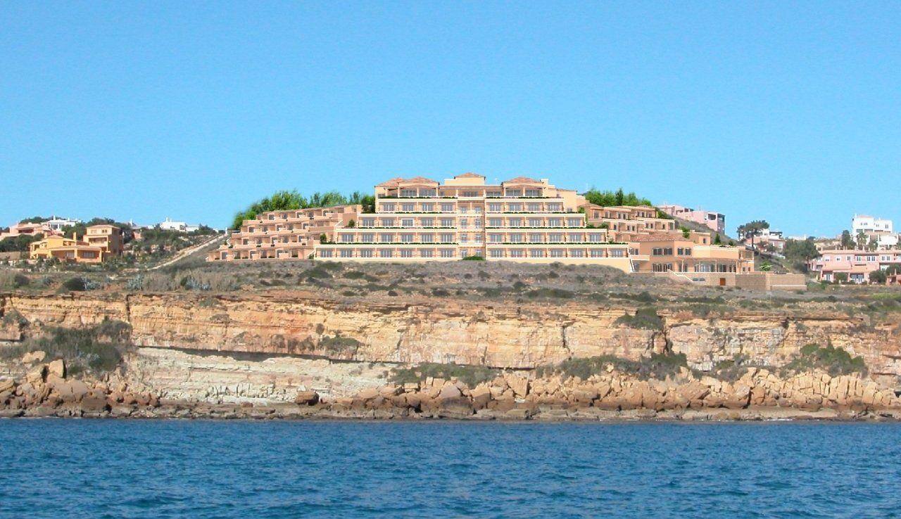 Отель, гостиница в Лагуше, Португалия, 12615 м2 - фото 1