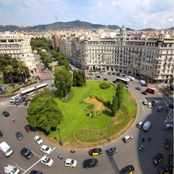 Коммерческая недвижимость в Барселоне, Испания, 300 м2 - фото 1