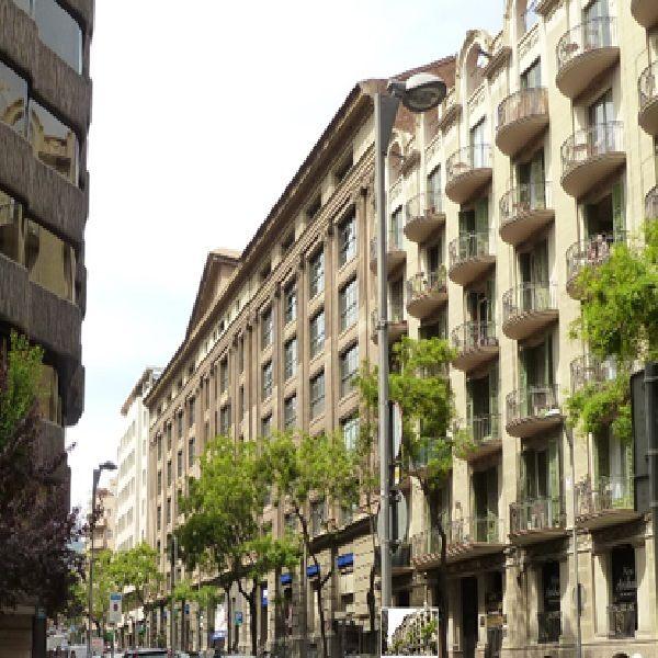 Коммерческая недвижимость в Барселоне, Испания, 400 м2 - фото 1