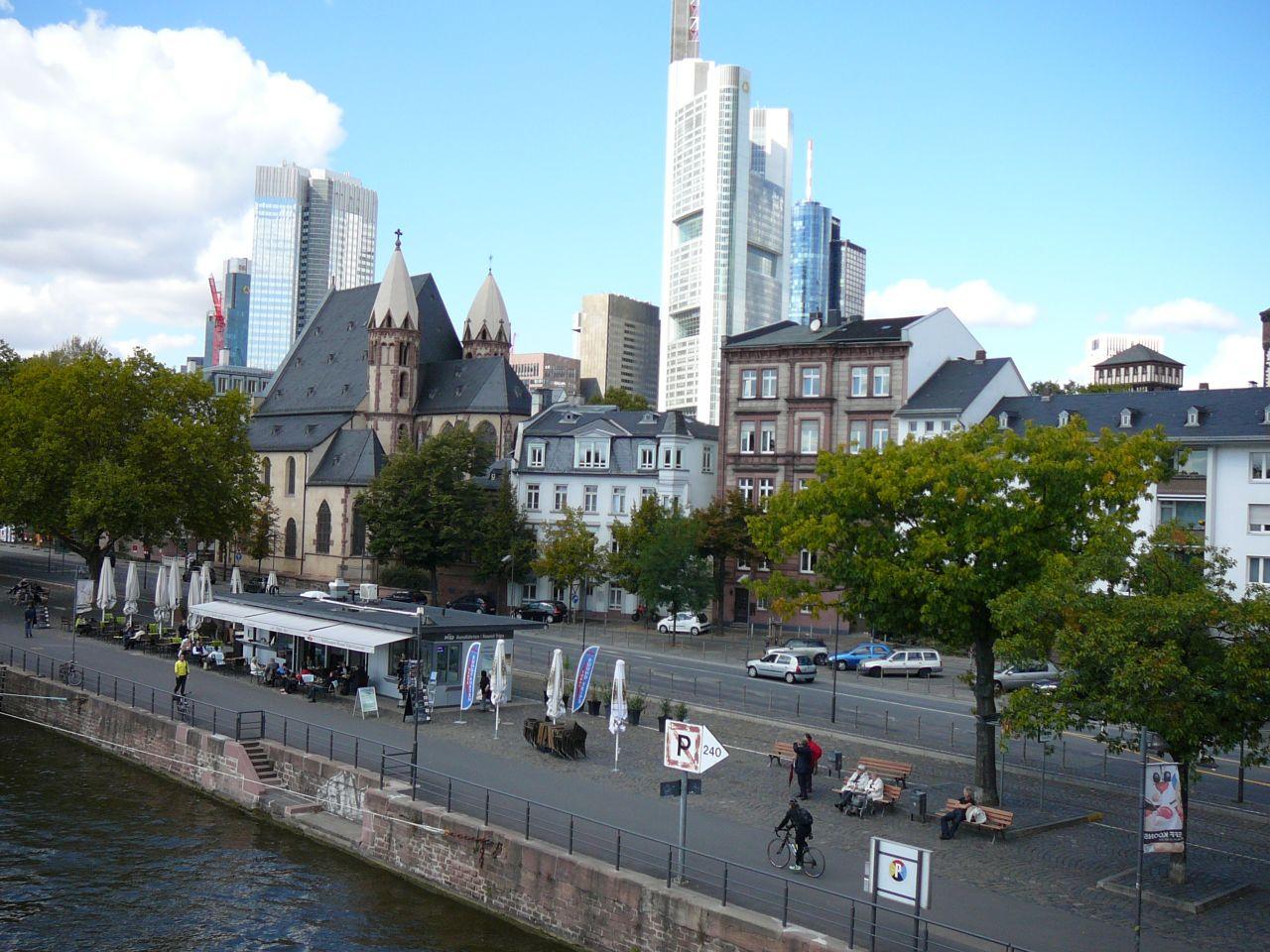 Отель, гостиница во Франкфурте-на-Майне, Германия, 2180 м2 - фото 1