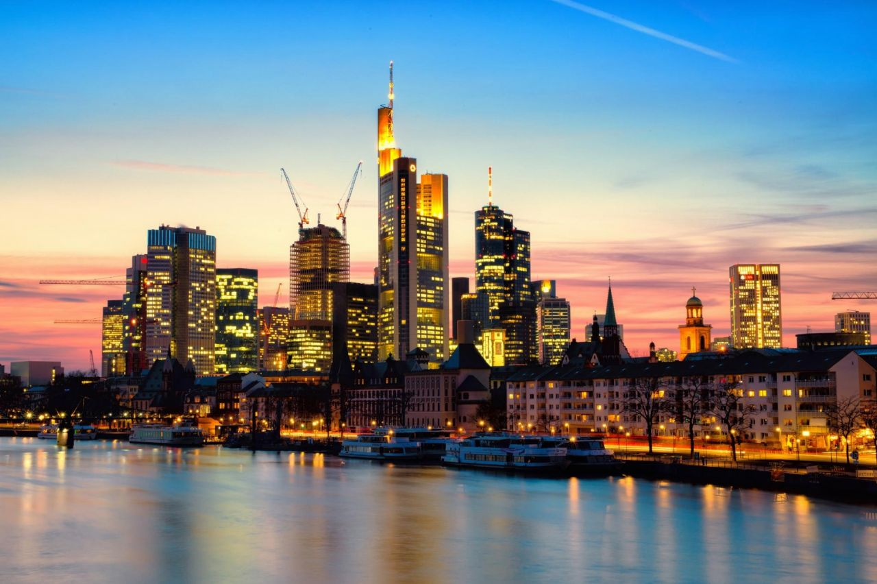 Коммерческая недвижимость во Франкфурте-на-Майне, Германия, 416 м2 - фото 1