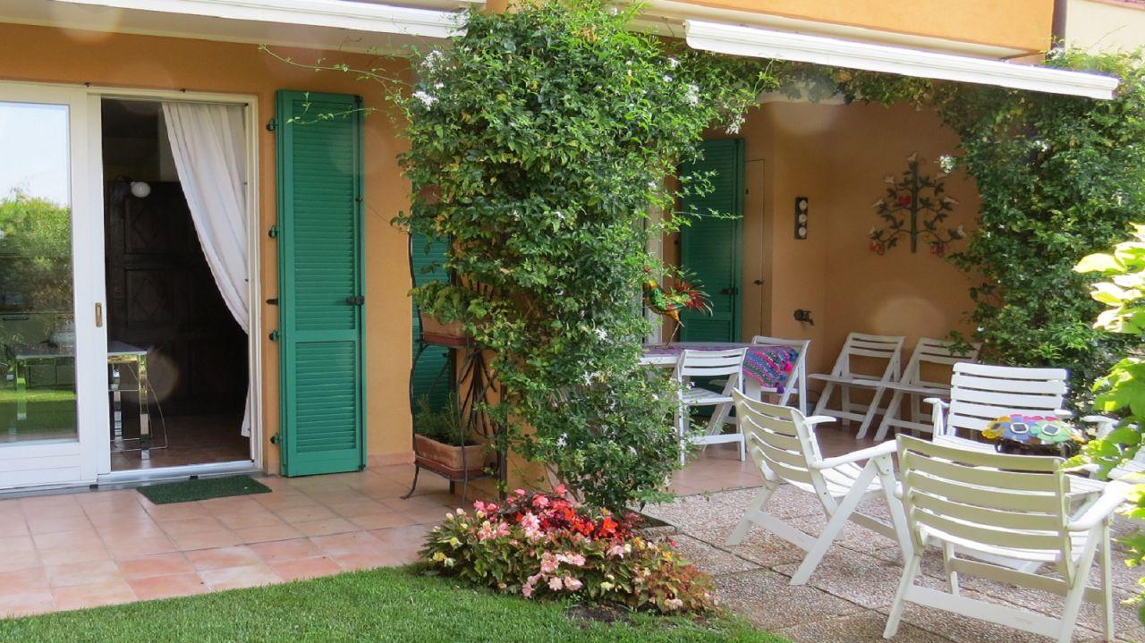 Квартира в Валлебоне, Италия, 117 м2 - фото 1