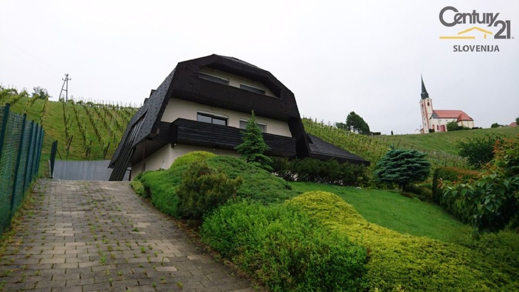 Дом в Малечнике, Словения, 688 м2 - фото 1