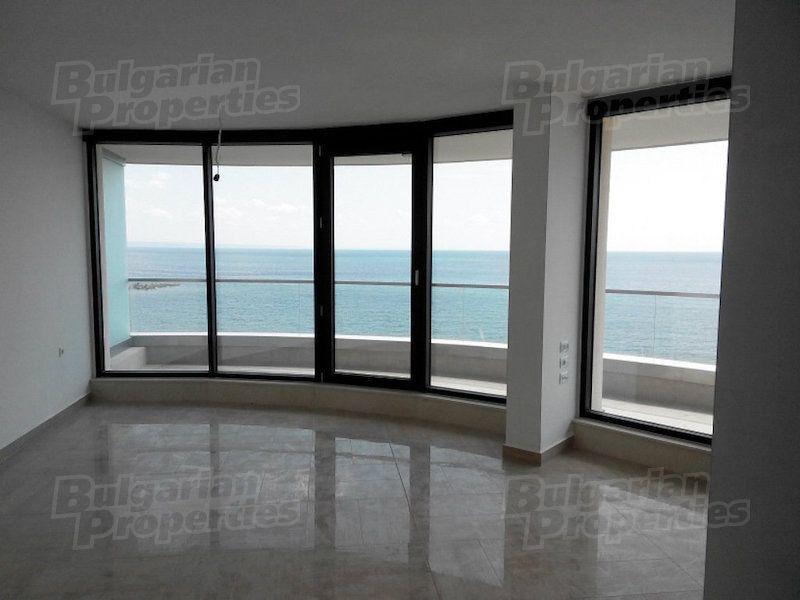 Апартаменты в Святых Константине и Елене, Болгария, 33.57 м2 - фото 1
