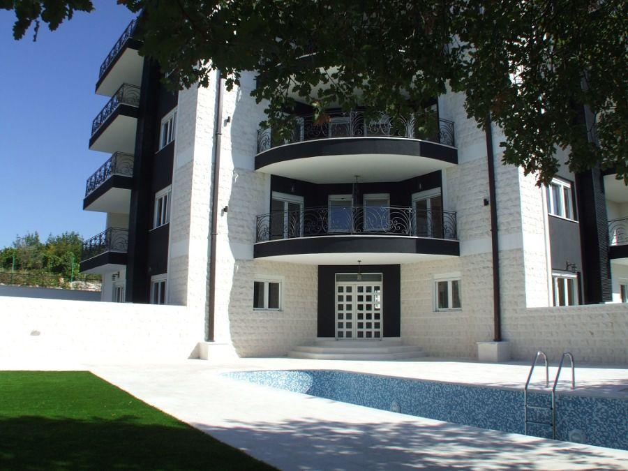 Отель, гостиница в Кримовице, Черногория, 1017 м2 - фото 1