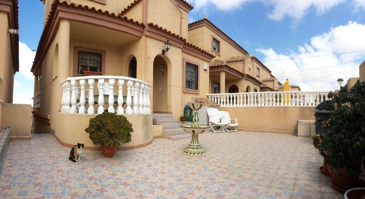 Дом в Сан-Мигель де Салинас, Испания, 80 м2 - фото 1
