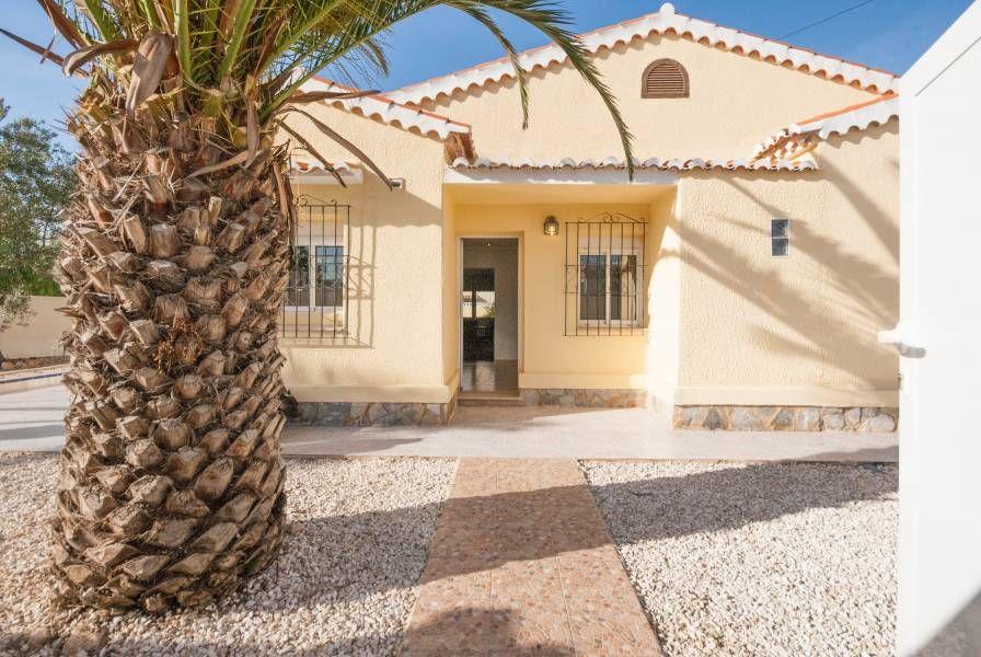 Дом в Торревьехе, Испания, 800 м2 - фото 1