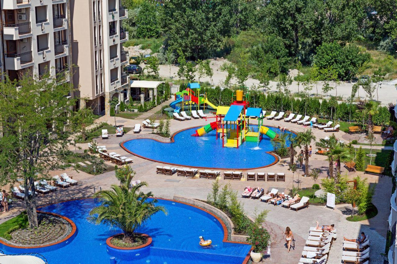 Апартаменты в Бургасской области, Болгария, 32 м2 - фото 1