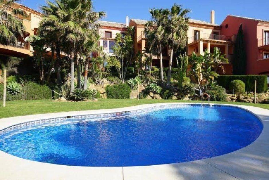 Квартира в Эстепоне, Испания, 145 м2 - фото 1