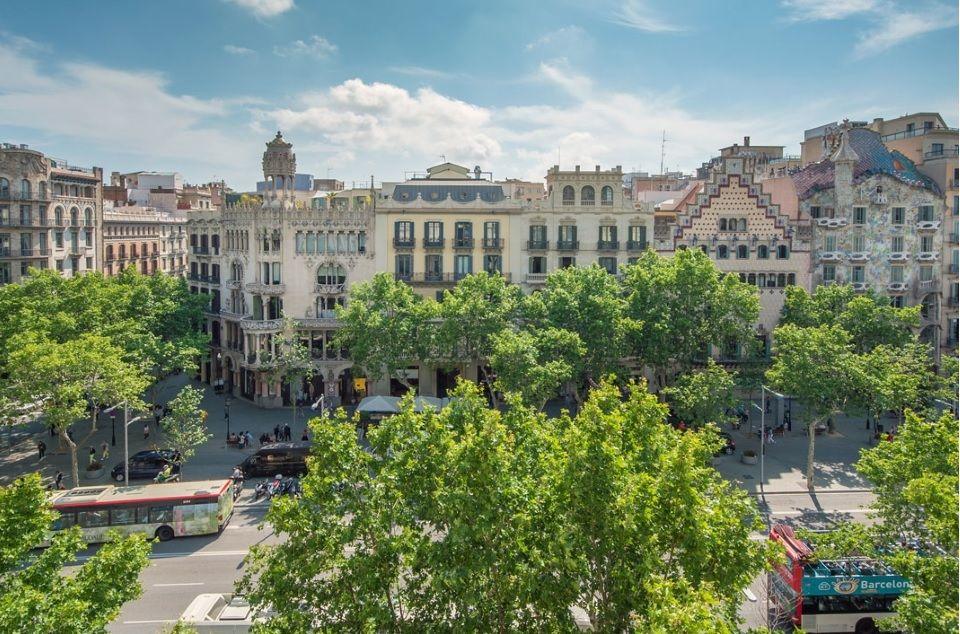 Коммерческая недвижимость в Барселоне, Испания, 670 м2 - фото 1