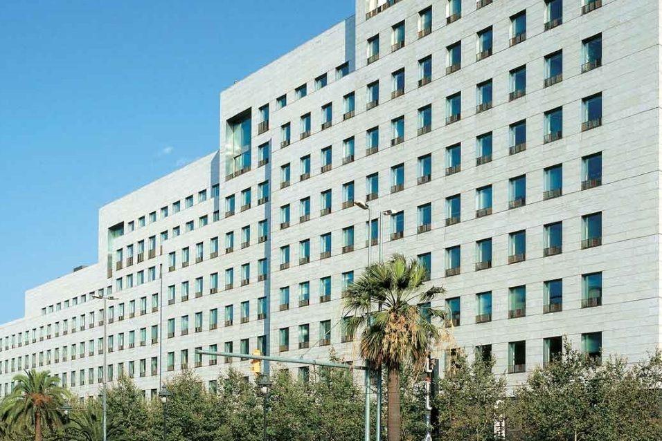 Коммерческая недвижимость в Барселоне, Испания, 357 м2 - фото 1
