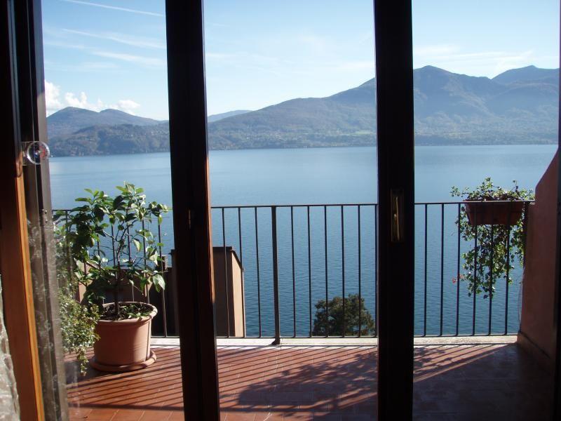 Квартира у озера Маджоре, Италия, 110 м2 - фото 1