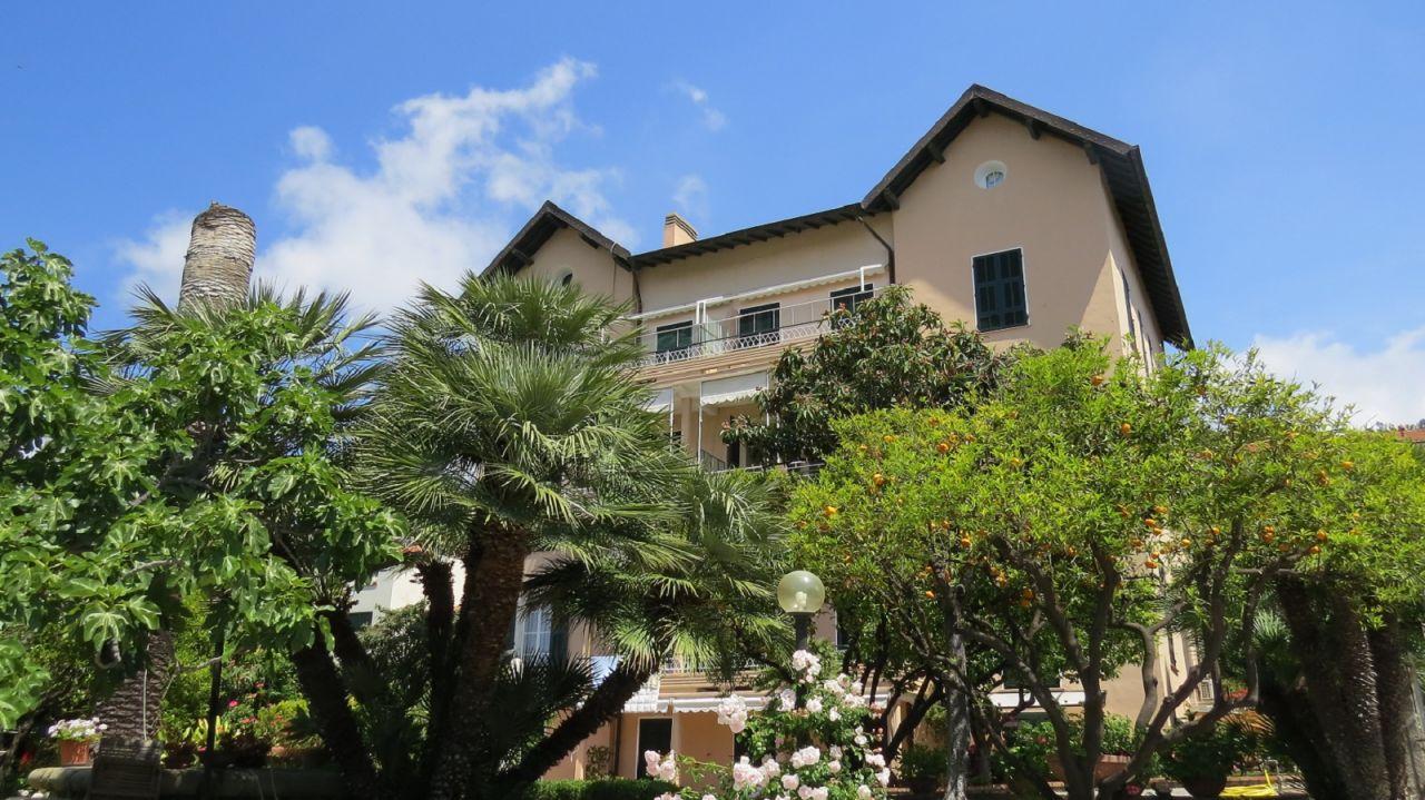 Квартира в Бордигере, Италия, 109 м2 - фото 1