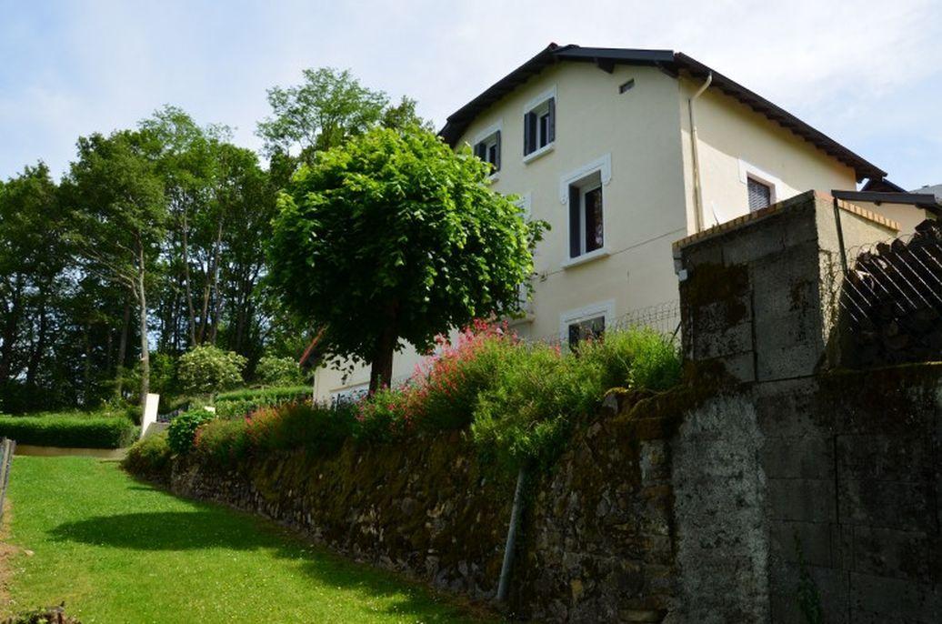 Дом в Верхних Пиренеях, Франция, 2500 м2 - фото 1