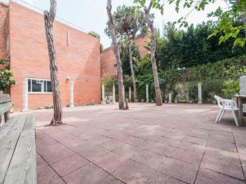 Вилла в Барселоне, Испания, 1133 м2 - фото 1