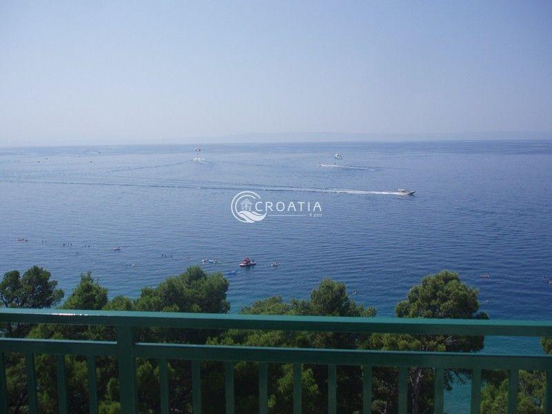Коммерческая недвижимость в Башка-Воде, Хорватия - фото 1