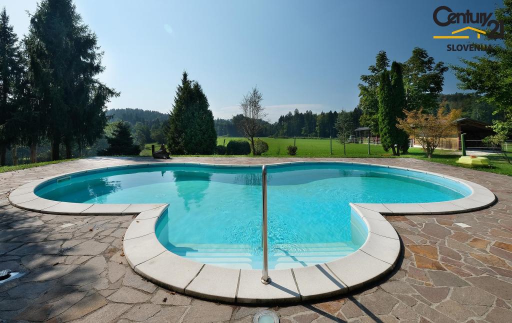 Отель, гостиница в Камнике, Словения, 706 м2 - фото 4