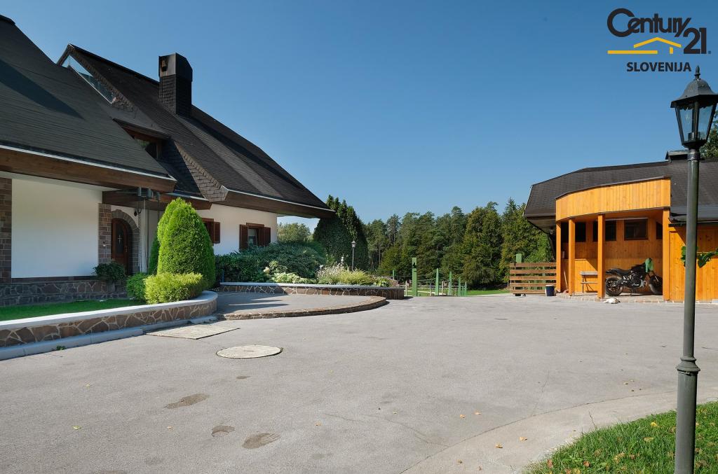 Отель, гостиница в Камнике, Словения, 706 м2 - фото 6