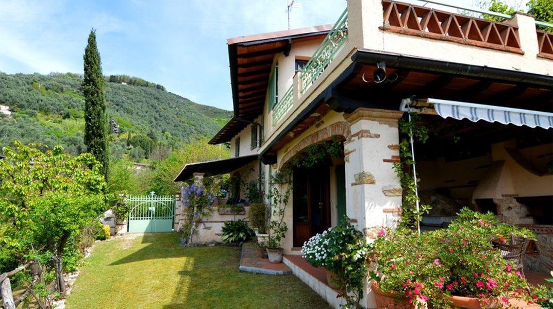 Дом в Форте деи Марми, Италия - фото 1
