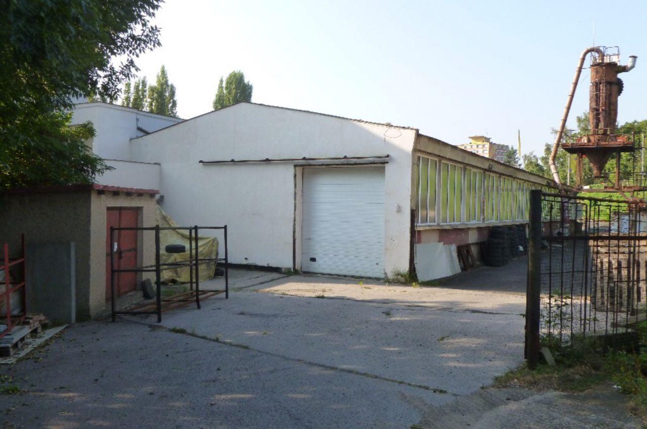 Коммерческая недвижимость в Усти-над-Лабем, Чехия, 1110 м2 - фото 1