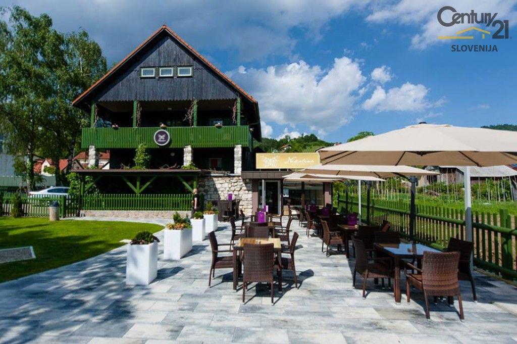 Коммерческая недвижимость в Словенске-Конице, Словения, 370 м2 - фото 1