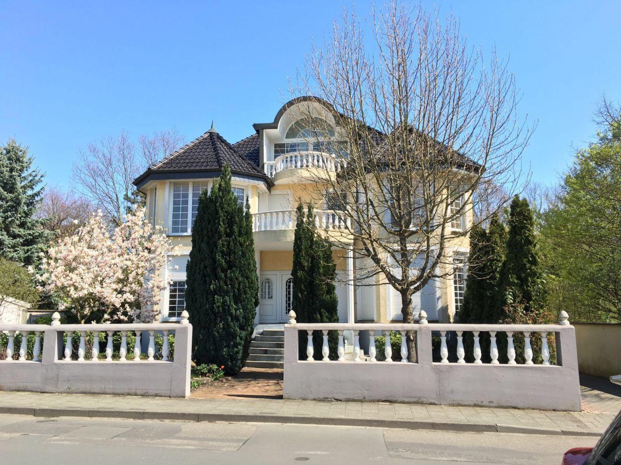 Дом во Франкфурте-на-Майне, Германия - фото 1