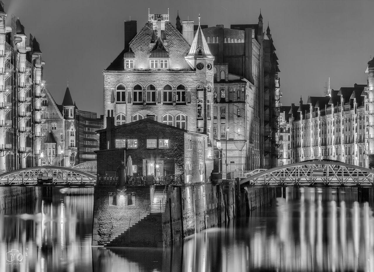 Отель, гостиница в Гамбурге, Германия, 5300 м2 - фото 1