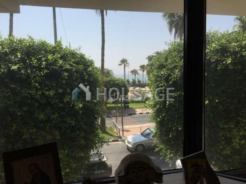 Офис в Лимассоле, Кипр, 380 м2 - фото 1