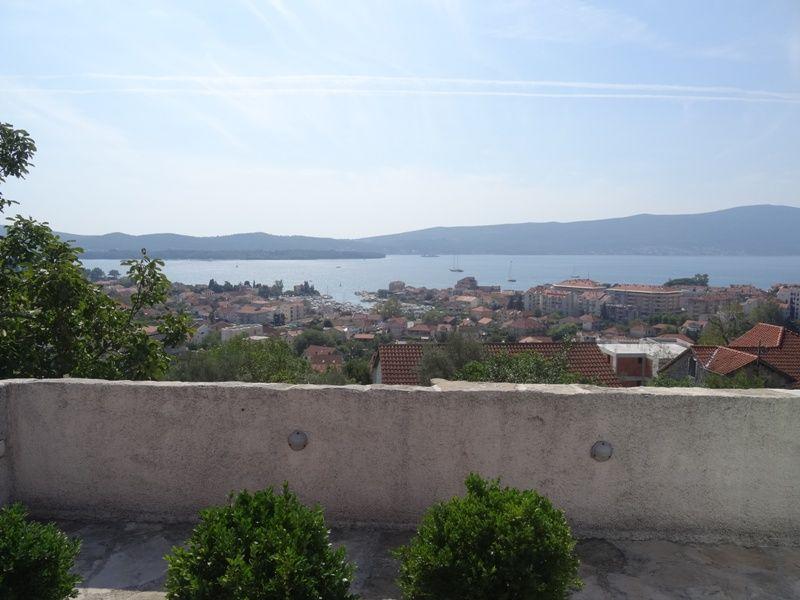 Дом в Тивате, Черногория, 484 м2 - фото 1