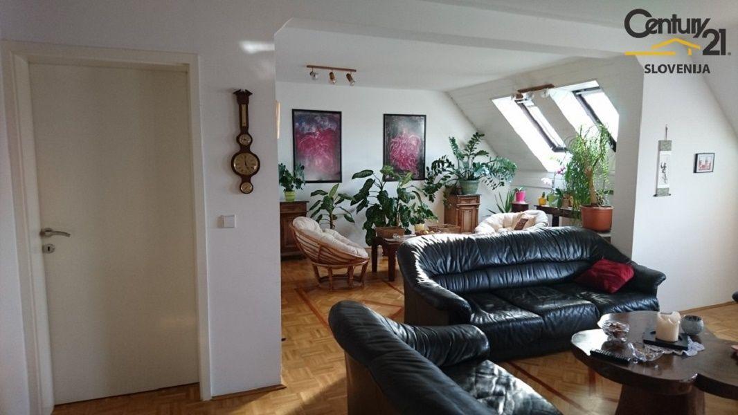 Квартира в Мариборе, Словения, 172.4 м2 - фото 1