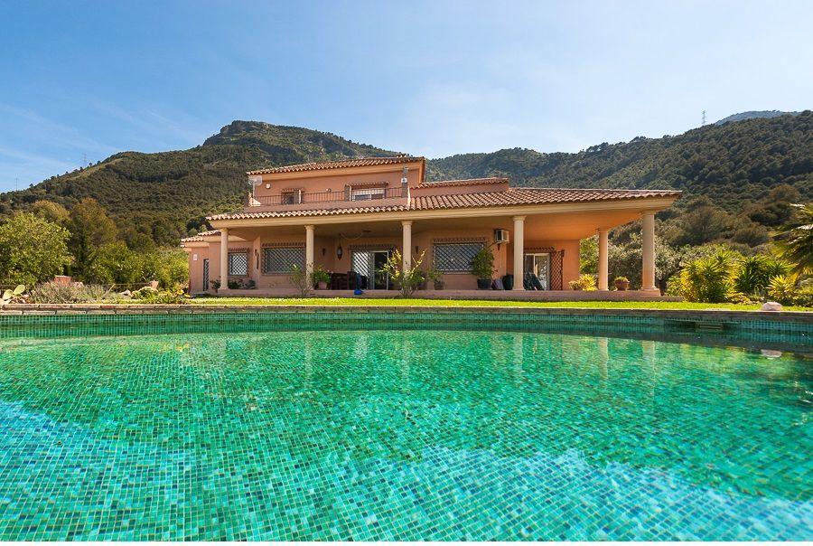 Вилла в Малаге, Испания, 286 м2 - фото 1