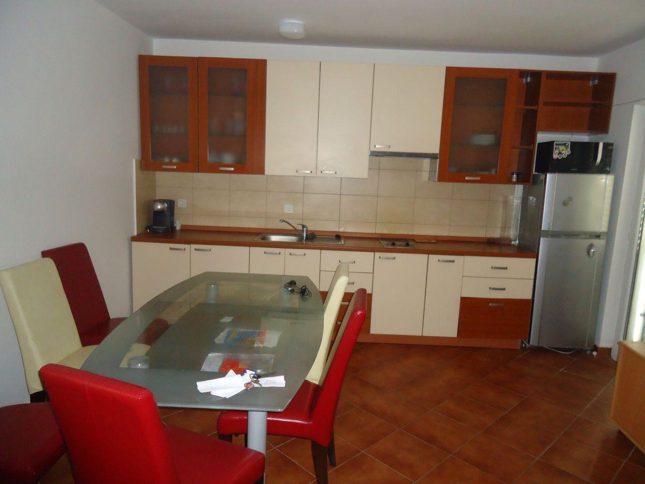 Апартаменты в Петроваце, Черногория, 49 м2 - фото 1