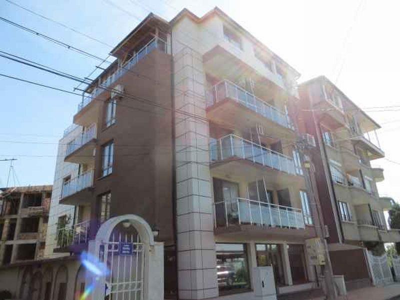 Квартира в Бургасе, Болгария, 70 м2 - фото 1