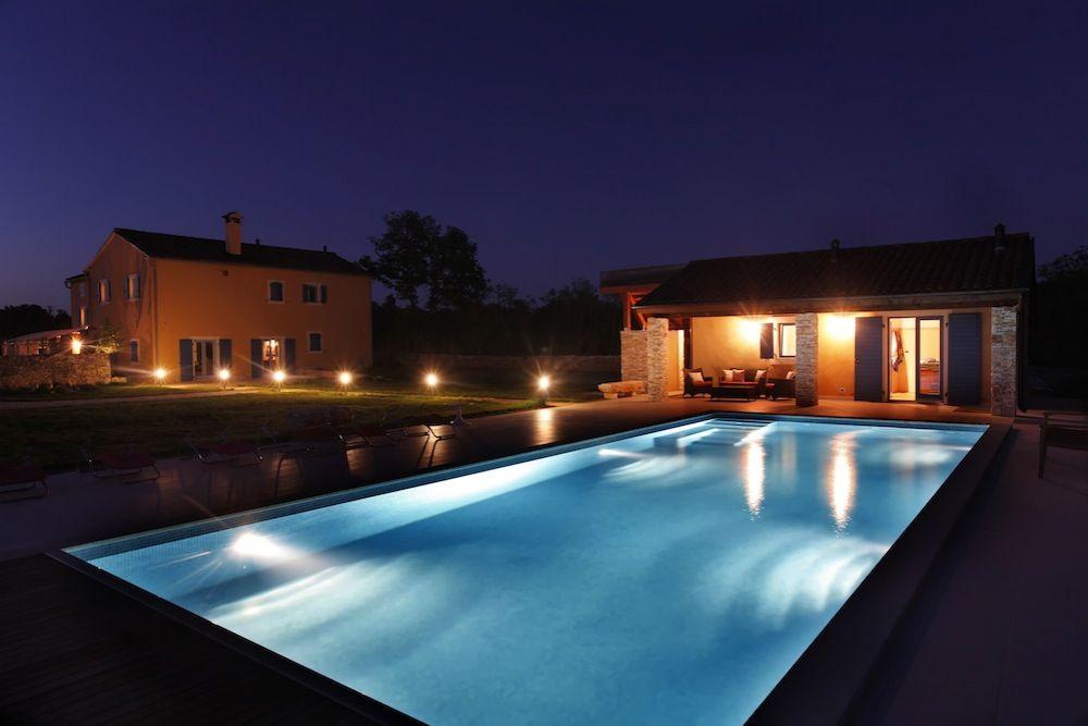 Отель, гостиница в Светвинченате, Хорватия, 400 м2 - фото 1