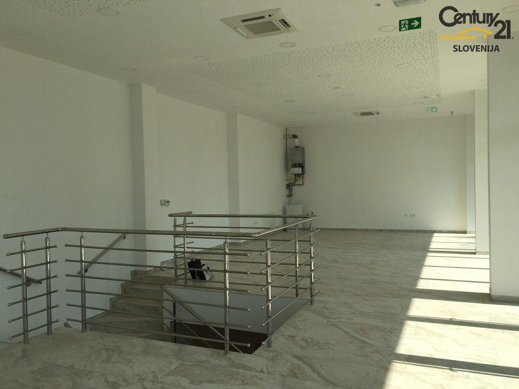Коммерческая недвижимость в Птуе, Словения, 272 м2 - фото 2