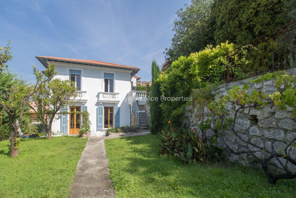 Дом в Ницце, Франция, 800 м2 - фото 1