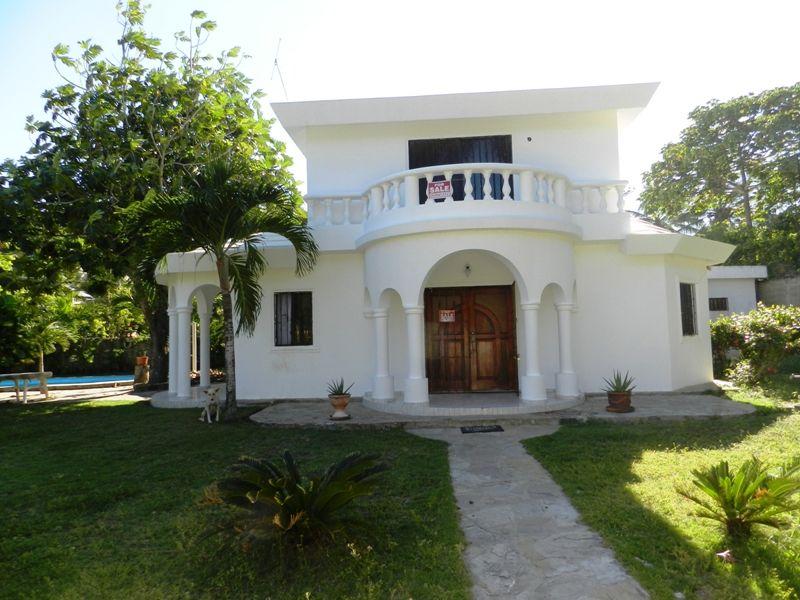 Дом в Кабарете, Доминиканская Республика, 180 м2 - фото 1