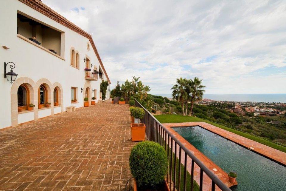 Вилла на Коста-дель-Маресме, Испания, 10000 м2 - фото 1