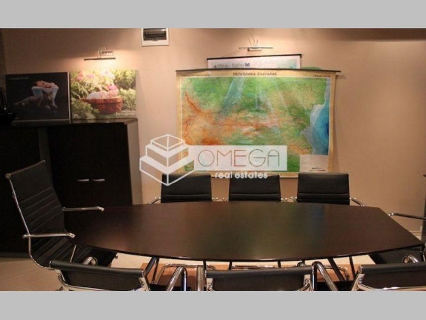Офис в Бургасе, Болгария, 144 м2 - фото 1