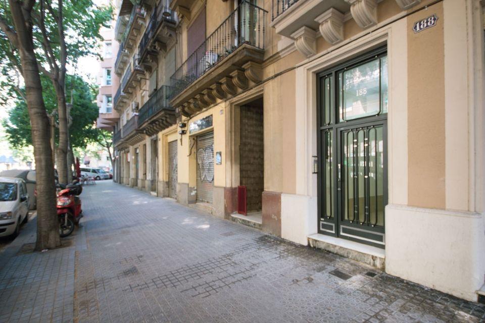 Квартира в Барселоне, Испания, 120 м2 - фото 1