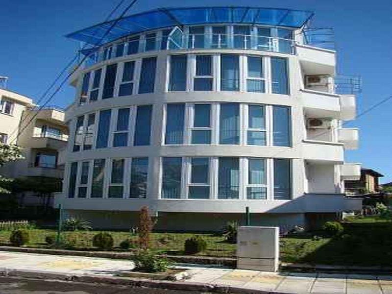 Отель, гостиница в Бургасской области, Болгария, 810 м2 - фото 1