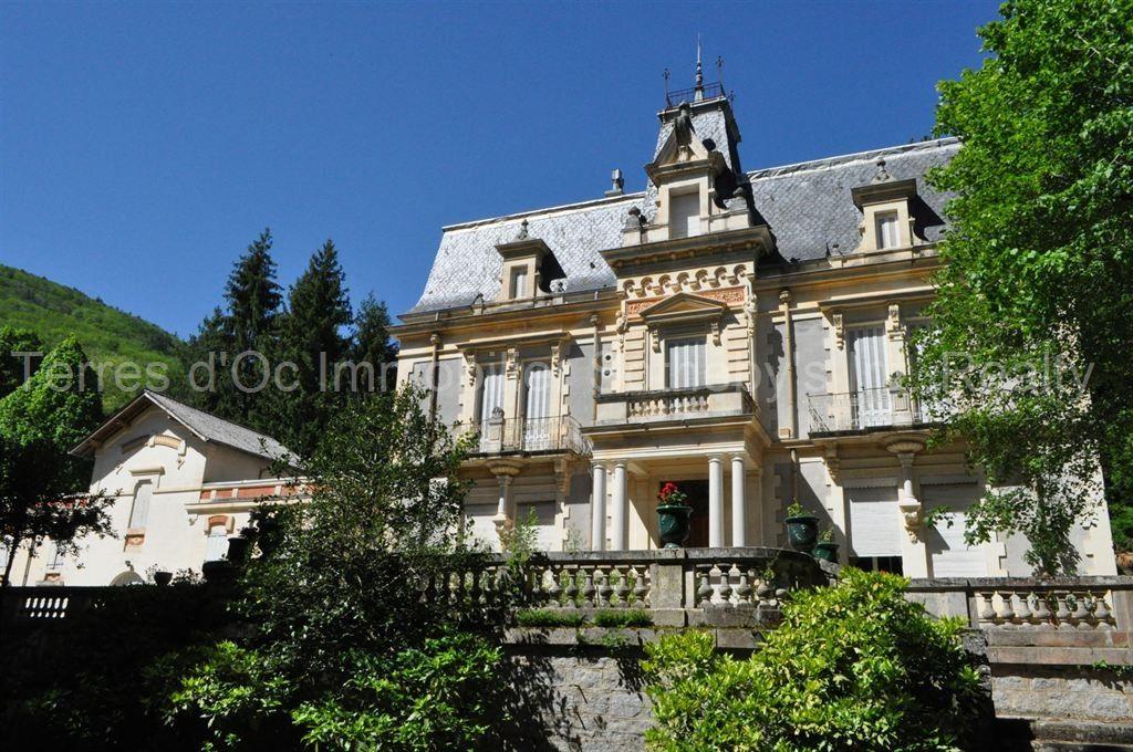 Замок в Восточных Пиренеях, Франция, 490 м2 - фото 1