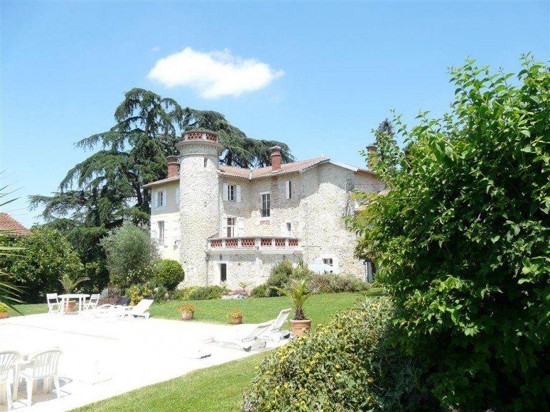 Замок в Атлантических Пиренеях, Франция, 9197 м2 - фото 1