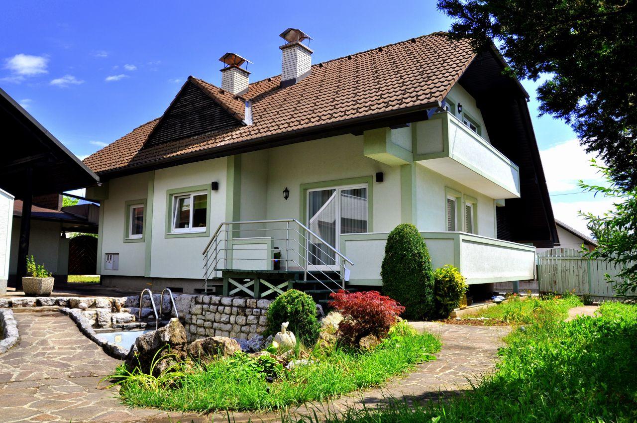 Отель, гостиница в Кране, Словения, 380 м2 - фото 1